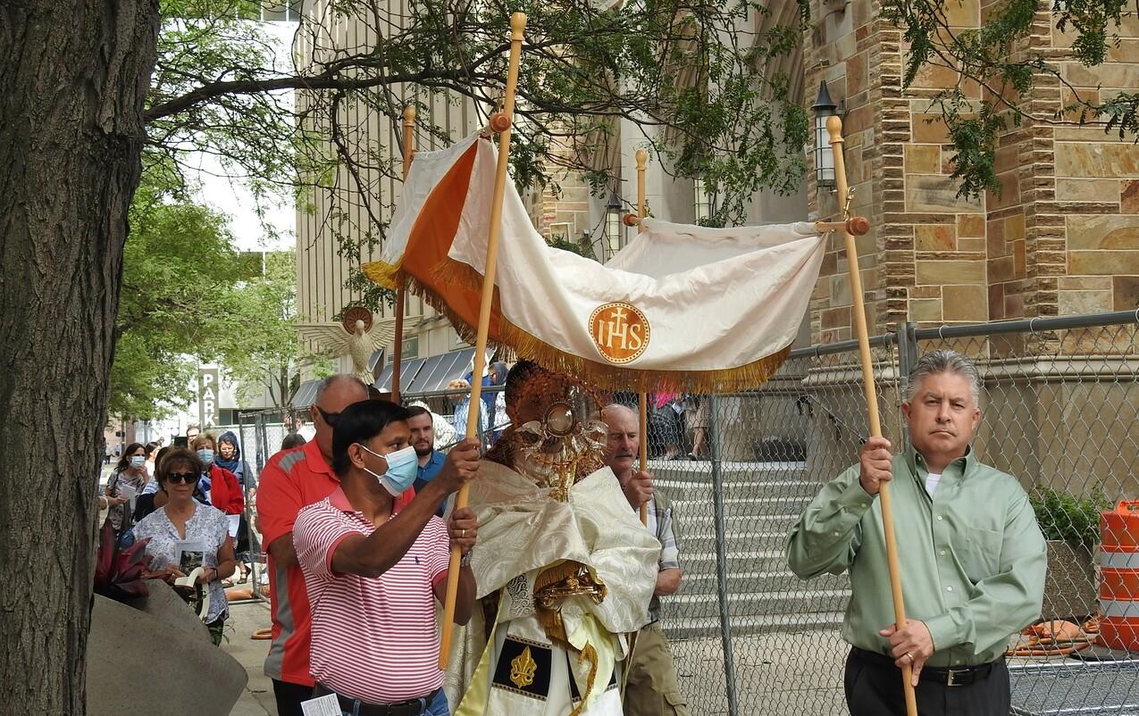 Mass, procession highlight diocesan Legion of Mary centennial celebration